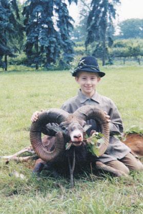 Второй трофей муфлона SCI, добытый H. Hunemeyer в 2002 г. в Чехии. Фото www.scirecordbook.org