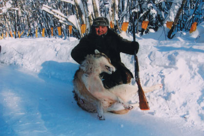 А. Пилюгин с трофеем волка. Фото www.scirecordbook.org